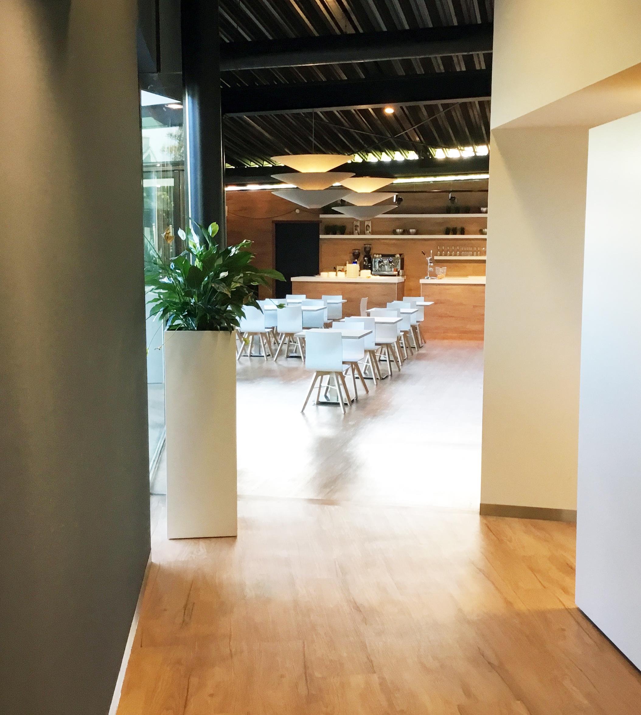 Proeflokaal laeren paul paternotte for Design appartement zwitserland